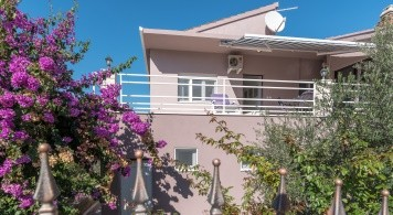 Apartment & Mingolla from 1.550 Eur/week/6pax