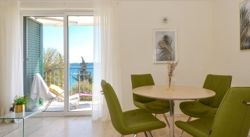 Apartment & Jeanneau 545 from 1.080 Eur/week/4 pax