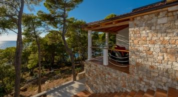 Villa & Zar 65 Suite from 3.640 eur/week/10 pax