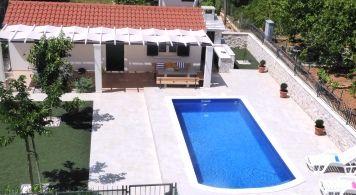 Apartment & Bayliner ab 880 EUR/woche/4 pax