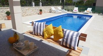 Apartment & Mingola Brava from 1.760 EUR/week/8 pax