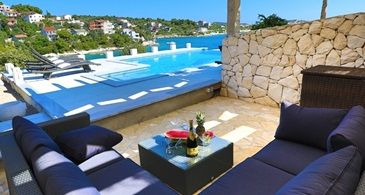 Villa & Qucksilver 675 Open from 4.940 Eur/week/8 pax